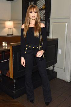 Look todo preto da blogueira Kristina Bazan.