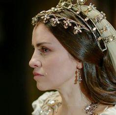 Tiara and Veil Renaissance Wedding, Celtic Wedding, Turkish Beauty, Turkish Fashion, Kosem Sultan, Head Jewelry, Theatre Costumes, Cocktails, Save The Queen