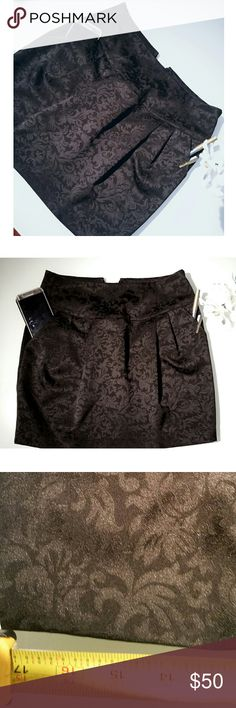 """Skirt with pockets -NWOT Super cute and every girls dream...a adorable yet sexy skirt with functional deep pockets. I can place a GALAXY S7 or an iphone plus all the way into the pocket and still have ample of room and it is a lined skirt. 17"""" in length. Unknown Skirts"""