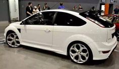 White Ford Focus RS, with big rims from ST version