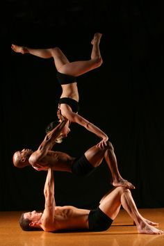 Our duo ADAGIO acts range from cirque-like statue work to comedy with everything in between. ROVING balance acrobatics works brilliantly as we can tailor our characters to the event. Partner Yoga, Health Education, Physical Education, Yoga Posses, Acro Yoga Poses, Different Types Of Yoga, Ballet, Yoga Fashion, Butt Workout