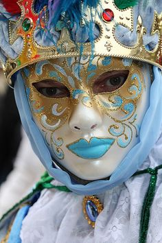 Europe - Italy / Carnival in Venice Venetian Carnival Masks, Mardi Gras Carnival, Carnival Of Venice, Venice Carnivale, Venice Mask, Costume Venitien, Beautiful Mask, Carnival Costumes, Masquerade Ball