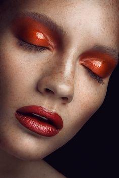 """Bronze Goddess"" for Press the Beauty Magazine by Ruo Bing Li, via Behance Makeup & Hair Delia Lupan Runway Makeup, Beauty Makeup, Eye Makeup, Glossy Lids, Glossy Makeup, Bronze Makeup, Vogue Beauty, Fotografia Macro, High Fashion Makeup"