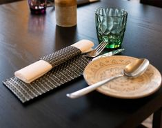 Indisches Restaurant Wien Paneer Tikka, Palak Paneer, Masala Chai, Tonic Water, Korma, Lassi, Scotch Whisky, Chutney, Fever Tree Tonic