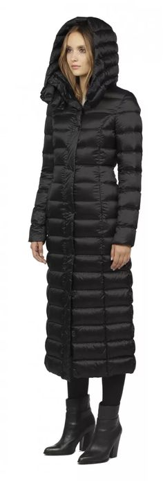 LYRA BLACK LONG LIGHT DOWN COAT WITH LARGE HOOD