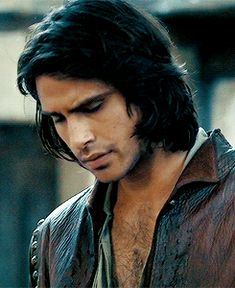 This is Luke Pasqualino, and he is my casting choice for Carlos. <<< I think he might be a bit too young, but yeah, I'm into it!