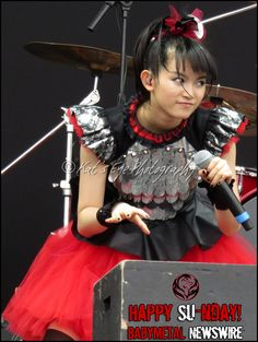 Happy SU-nday #BABYMETAL fans! We wish you a great day! Great photo of Catch Me If You Can!