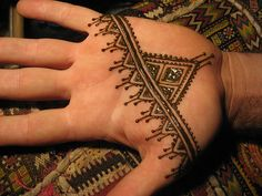 B's henna hand