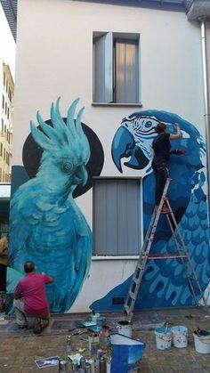 Street art pubblica nella sede WWF nei giardini in via Tommaso da Cazzaniga @krasertres @refres