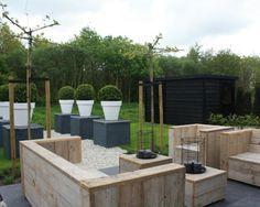 Stilvolle Gartenmöbel Sitzbank Tisch Holzpaletten