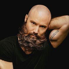Bald Men With Beards, Bald With Beard, Beard Fade, Grey Beards, Beard Styles Images, Beard Styles For Men, Hair And Beard Styles, Bald Men Styles, Barba Grande
