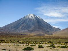 Volcan Licancabur - Desierto de Atacama - Chile.
