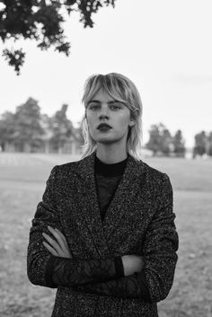 hair and make-up Celine Bouly Why So Many People Are Identity Theft Victims Article Body: So many pe Mullet Hairstyle, My Hairstyle, Fringe Hairstyles, Hairstyles With Bangs, Cool Hairstyles, Short Shaggy Bob, Shaggy Hair, Short Hair With Bangs, Short Hair Styles