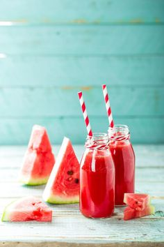 Watermelon mint juice - Olive Oils from Spain Yummy Smoothies, Smoothie Diet, Pavlova, Beaux Desserts, Aloe Vera, Watermelon Mint, Natural Kitchen, Healthy Drinks, Food And Drink