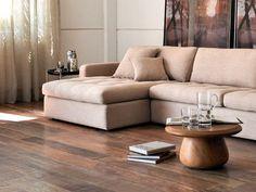 Piso Que Imita Madeira - Veja 70 Modelos Para a Sua Casa Portobello, Sofa, Couch, Tile Floor, Environment, Flooring, Living Room, Inspiration, Furniture