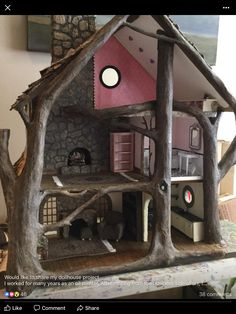 What a cool doll or fairy house Miniature Crafts, Miniature Houses, Miniature Fairy Gardens, Miniature Dolls, Diy Dollhouse, Dollhouse Furniture, Dollhouse Miniatures, Doll Furniture, Furniture Ideas