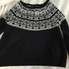 American eagle knit sweater Black and white knit sweater wore twice amazing condition American Eagle Outfitters Sweaters