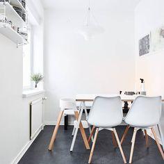 Pienen tilan näyttävä, mutta myös perheen arjessa toimiva kalustus 😍 . Kerrostalo, 3h+k, 78,5 m2, Tampere, Kaleva #Teiskontie_11_A . Tämä inspiroiva koti on esillä myös blogissa ➡ www.villalkv.fi/blogi 😃 . #asuntounelmia_unelmaasuntoja (paikassa...