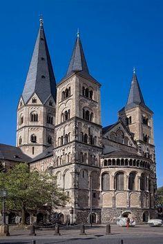 Bonner Münster (Roman Catholic Church) in Bonn, North Rhine-Westphalia, Germany