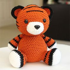Cubby the tiger amigurumi crochet pattern by Little Muggles