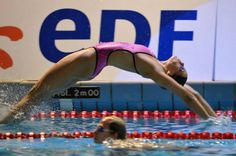 Backstroke start- wow that is great I Love Swimming, Swimming Tips, Swimming Diving, Laura Lee, Swimming Pictures, Female Swimmers, Swimming Motivation, Treading Water, Olympic Swimmers
