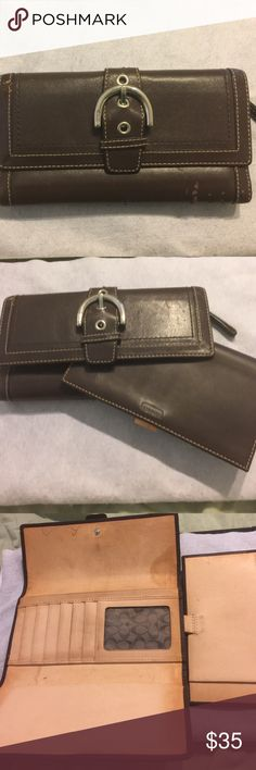 🎄COACH WALLET AND CHECKBOOK 100% AUTHENTIC! This coach is in need of some TLC. It was a very loved wallet. There are signs of wear inside and out as noted in the pictures. Still has a lot of life in the wallet. And check book included. Comes from a smoking friendly house. WILLING TO ACCEPT ALL OFFERS ON THIS WALLET! Coach Bags Wallets