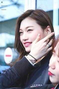 180425 adidas×Seoul Sport Needs Space Project Seoul Music Awards, Mnet Asian Music Awards, South Korean Girls, Korean Girl Groups, Oppa Gangnam Style, Kim Chungha, Son Na Eun, Apink Naeun, Eun Ji