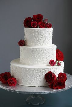 simpler wedding cake with flowers