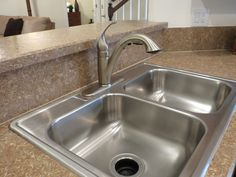 The secret to spick and span sinks. Cleaning stainless steel and porcelin sinks. Kitchen sinks. Bathroom sinks. Housecleaning. Housekeeping.