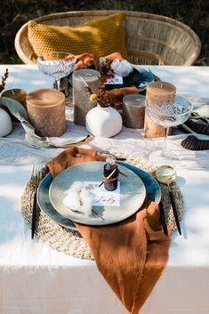 Ultra-Stylish Wedding Inspiration From The South African Bush – Nina Wernicke 7 African Wedding Theme, African Theme, Wedding Themes, Bush Wedding, Wedding Scene, Diy Wedding, Wedding Reception, Wedding Cakes, Traditional Wedding Decor
