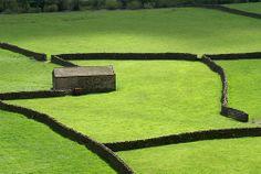 Swaledale Barn, Gunnerside, Yorkshire Dales by freefotouk, via Flickr