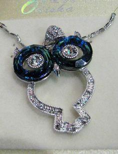 Joyería con aleación de metales platinados en rodio con cristal, marca SWAROVSKI, desde ¢25.700 — en Paseo de las Flores.