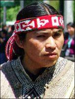 Vincha en diseño mapuche Portraits, Fabrics, History, Wood, Drawings