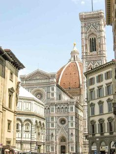 The Cathedral Complex in Florence: the Baptistery, the Cathedral of Saint Mary of the Flower, the Dome of Brunelleschi and the Bell Tower of Giotto - aren't they simply amazing? #Florence #Tuscany #Italy #firenze #toscana #Italia #travel #traveltips #guide #destinationguide