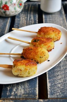 Easy snack ideas: Potato lollipop,quick and easy snack for toddlers and kids! Recipe @ http://cookclickndevour.com/potato-lollipop-recipe #cookclickndevour #vegan #recipeoftheday #snackideas