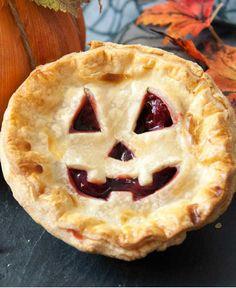 Jack-O'-Lantern Mini Pies http://wm13.walmart.com/Cook/Recipes/67693/