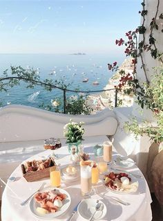 Santorini House, Beautiful Places To Travel, Future Travel, Travel Aesthetic, Travel Photographer, Dream Vacations, Italy Travel, Adventure Travel, Travel Inspiration