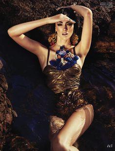 gold - M: Rachel Alexander, P: Gabor Jurina, S: Zeina Esmail (Fashion Canada Summer 2013)