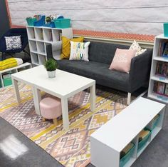 The best classroom setup ideas to get your class ready for back to school inlcluding ideas for a teacher toolbox plus, find out how to get free classroom printables. Modern Classroom, Classroom Layout, Middle School Classroom, New Classroom, Classroom Setting, Classroom Design, Classroom Themes, Classroom Organization, Classroom Libraries