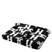 Eichholtz Make a cozy addition to your interior with the soft plaid. This black and white geometric throw with a bold graphic pattern is perfect for adding a fabulous style to any room. Place it across your sofa, armchair or bed for a comfy accent. Black And White Fabric, Black White, White Throws, Faux Fur Blanket, Geometric Throws, Cotton Throws, White Bedding, Graphic Patterns, White Plaid