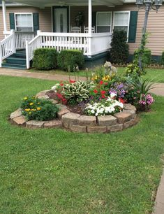 Cheap Landscaping Ideas For Your Backyard Landscaping With Rocks, Outdoor Landscaping, Front Yard Landscaping, Backyard Landscaping, Outdoor Gardens, Landscaping Borders, Landscaping Retaining Walls, Garden Yard Ideas, Lawn And Garden