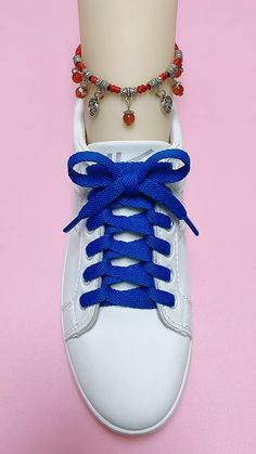 Ways To Tie Shoelaces, Diy Corset, Diy Fashion, Fashion Outfits, Bra Hacks, Creative Shoes, Rope Knots, Shoe Crafts, Cute Diys