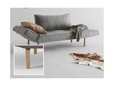 Sofa Zeal szara 565 nogi dąb lakierowany od INNOVATION iStyle — Sofy — sfmeble.pl