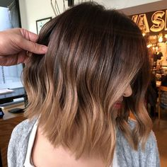 Hair Color is Trending for Fall—Here Are 15 Stunning Examples to Bring. Caramel Hair Color is Trending for Fall—Here Are 15 Stunning Examples to Bring.Caramel Hair Color is Trending for Fall—Here Are 15 Stunning Examples to Bring. Brown Ombre Hair, Brown Hair Balayage, Ombre Hair Color, Hair Color Balayage, Brown Hair Colors, Hair Highlights, Honey Balayage, Blonde Honey, Brunette Balayage Hair Short