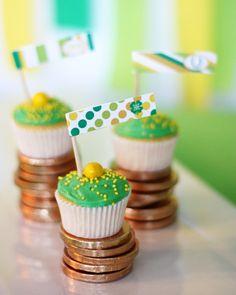 St Patricks day decor party printables theme ideas kiss me I'm irish