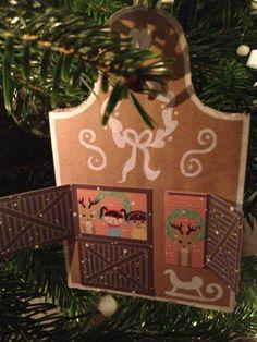 Knutselen voor kerst, maak deze peperkoekhuisjes van karton | copyright Papiergoed