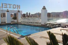 Prepárate para el bronceado perfecto en nuestra terracita🌞 y... si tienes mucho calor un bañito en nuestra pisci no te vendrá nada mal😉😉  ¡Visítanos!  #HotelCentroMar #CentroMarBenidorm #CentroMar #HotelesBenidorm #Benidorm #Benilovers #Alifornia #CostaBlanca #HotelBenidorm #PlayasBenidorm #BuenTiempo #Relax #Vacaciones #Holidays #MarMediterraneo #Mediterraneo #Piscina #Sol #Sun #Pool #Havefun