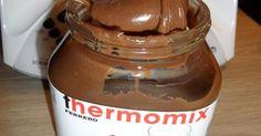 Pâte à tartiner pralinée, une recette de la catégorie Sauces, dips et pâtes à tartiner. Plus de recette Thermomix® www.espace-recettes.fr