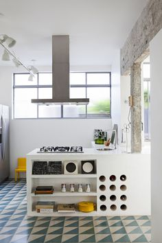 <p>We just couldn't get enough of the work by Brazilian architect Felipe Hess! Located in Sao Paulo, this 60 years old traditional Brazilian house has been completely redesigned by the architect Felip