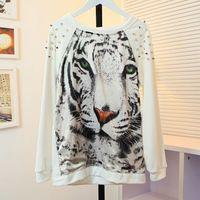 Blusa de moleton tigre com spikes